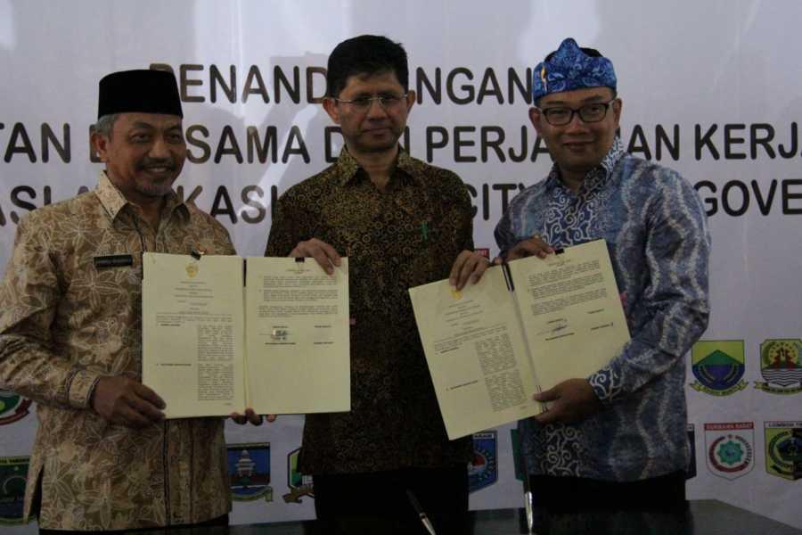 Wakil Wali Kota Bekasi  dan Walikota Bandung Teken Kerja Sama Penerapan Smart City