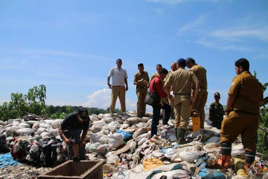 Laporan Warga Via Media Sosial, Wali Kota Bekasi Tinjau Banjir di Ciketing Udik