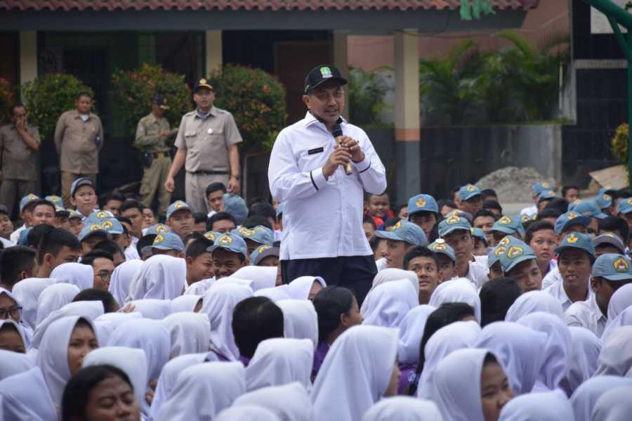 Ribuan Pelajar SMK Karya Guna 2 Gelar Deklarasi Anti Narkoba
