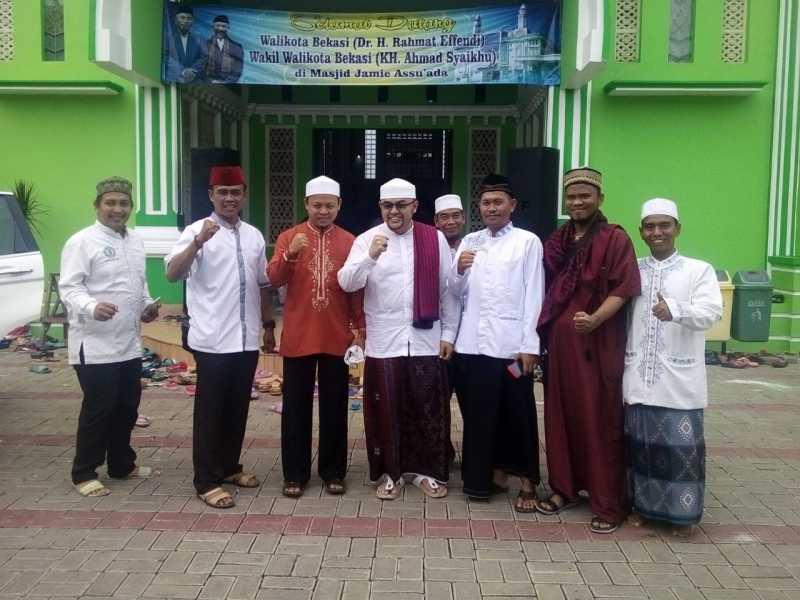 Warga Rawa Bugel Undang Ustad Pantun Isi Ceramah Maulid Nabi Muhammad SAW 1439 H