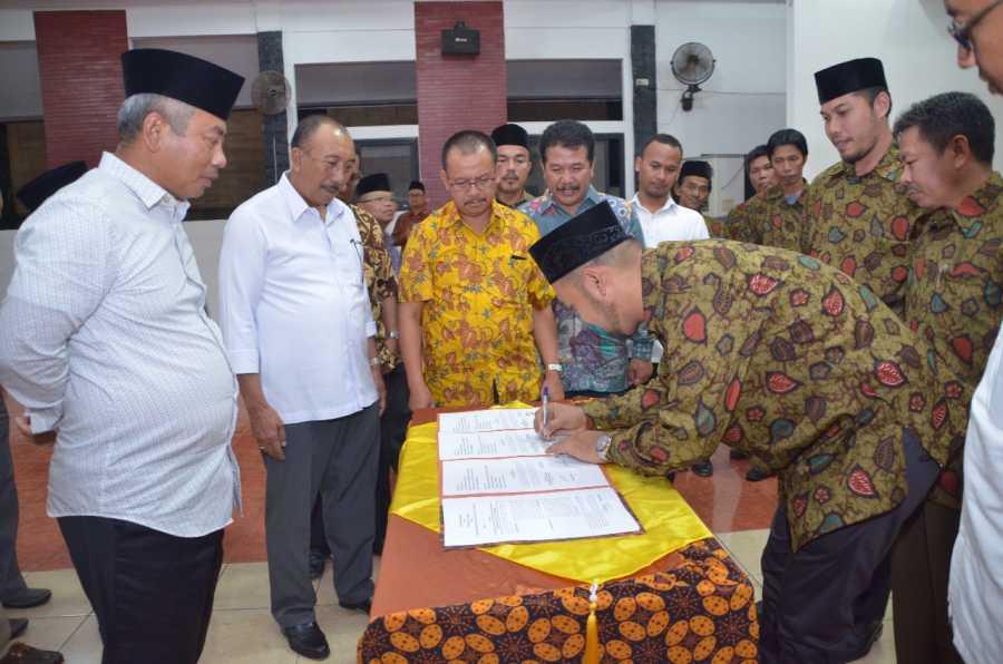 Wali Kota Bekasi Kembali Tandantangani MoU dengan FKRW Kecamatan Jatisampurna