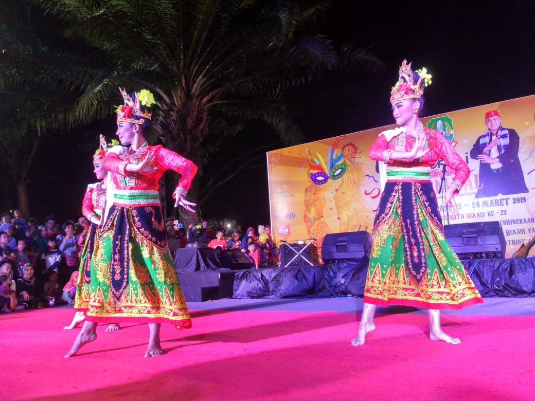 Belasan Sanggar Seni Antusias Meriahkan Bekasi Carnival Night