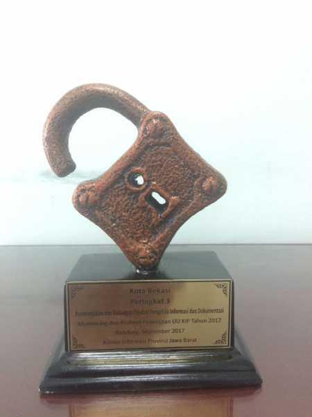 Jalankan Amanat Undang-undang KIP, Kota Bekasi Terima Beberapa Kategori Penghargaan