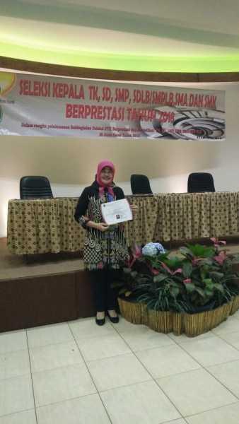 Terus Ukir Prestasi, Ekowati Raih Peringkat 5 Kepsek Berprestasi Tingkat Jawa Barat