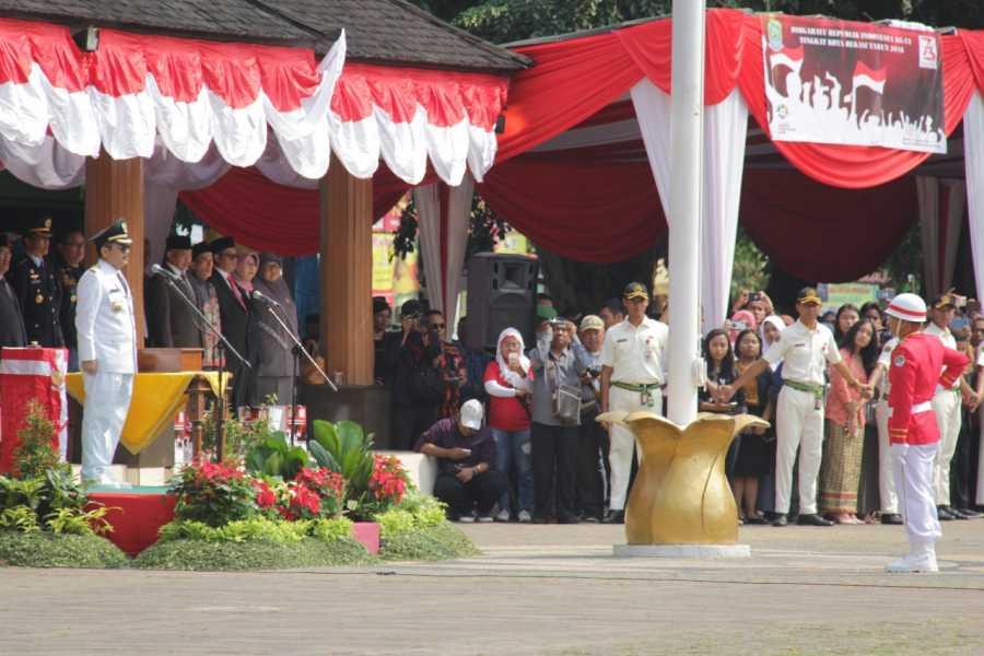 Pimpin Upacara Kemerdekaan, Pj Wali Kota Ajak Teladani KH. Noer Ali