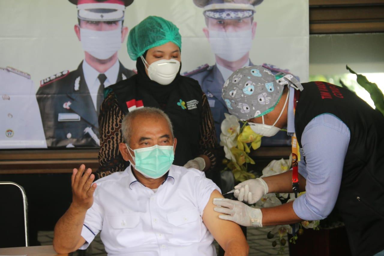 Unsur Forkopimda Awali Vaksinasi Covid-19 Tahap Pertama di Kota Bekasi