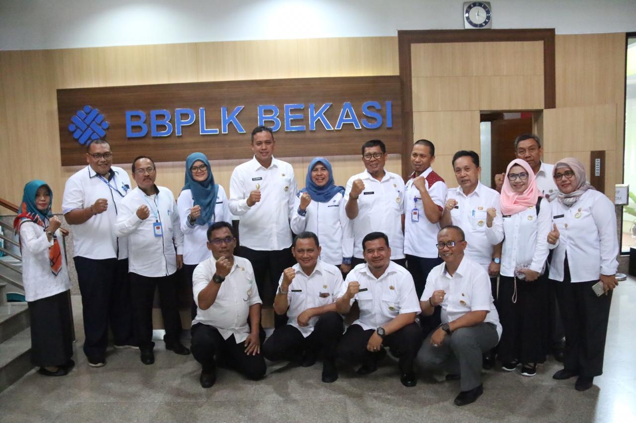 Wakil Wali Kota Bekasi Tri Adhianto Menyambangi Balai Besar Pengembangan Latihan Kerja Kota Bekasi