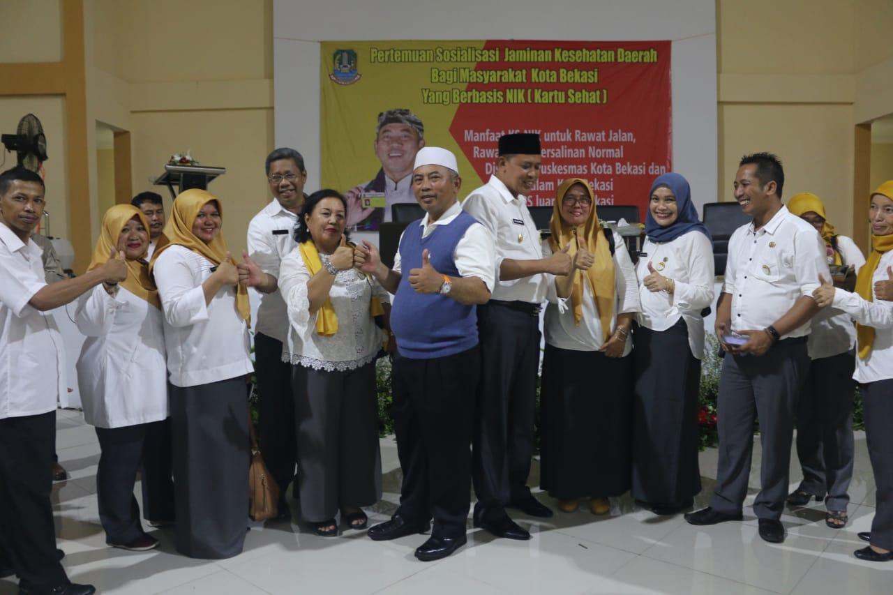 Wali Kota Sosialisasikan Pemanfaatan Kartu Sehat Di Gedung Kesenian Rawalumbu