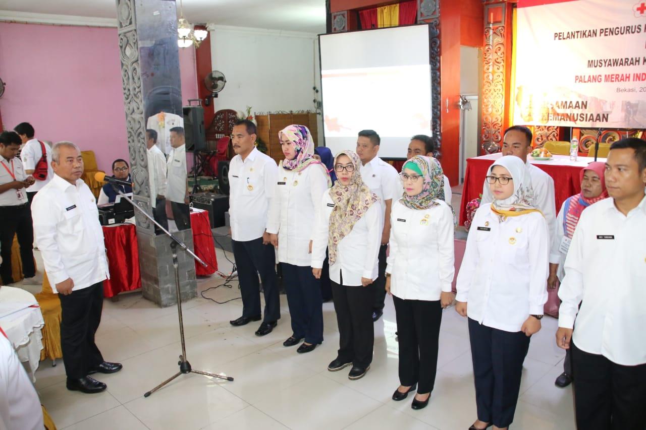 Ketua PMI Kota Bekasi, Rahmat Effendi Lantik 12 Ketua PMI Kecamatan Se Kota Bekasi.