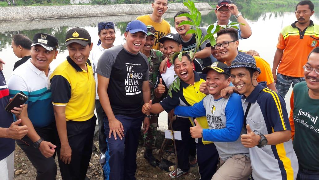 Hijaukan Polder Air Aren Jaya, Warga dan Aparatur Tanam 200 Pohon Sukun