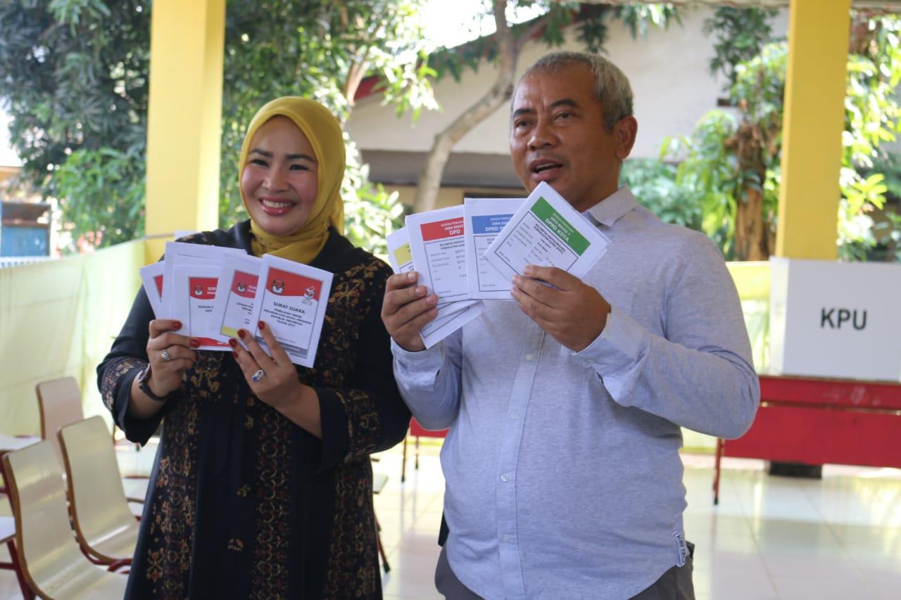 Wali Kota Bekasi Sumbangkan Hak Suara di TPS 01 Kelurahan Pekayon Jaya
