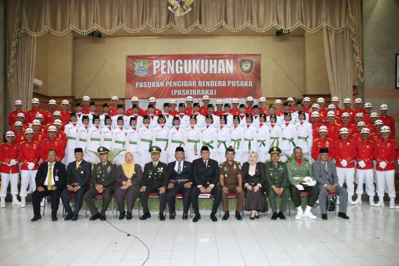 35 Paskibra dan 50 TNI Kodim 0507  Di Kukuhkan Wali Kota Bekasi Untuk Mengibar Bendera