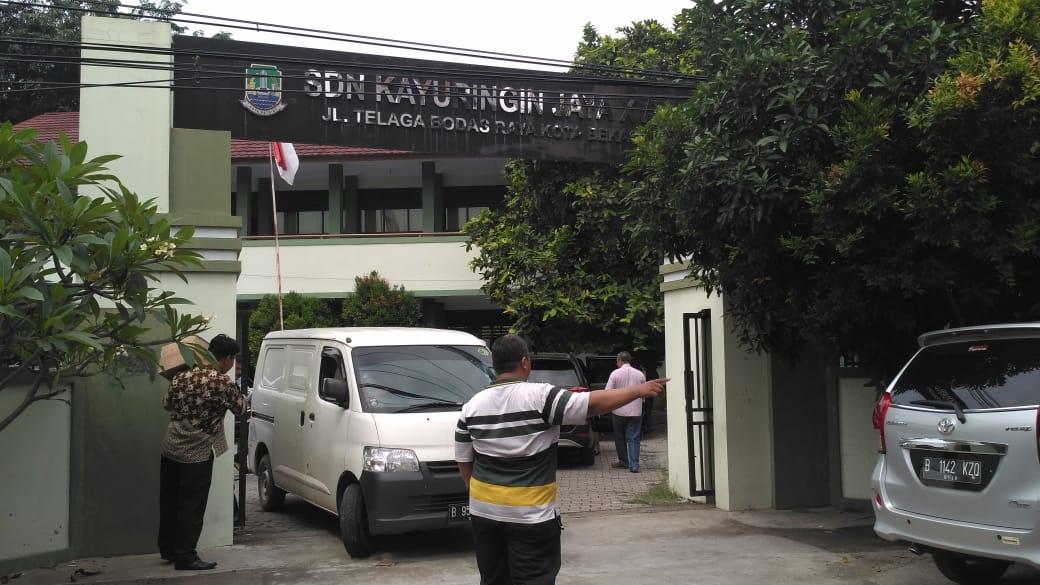 Dinas  Pendidikan Kota Bekasi Mendistribusikan Naskah Soal Ujian di Seluruh Kecamatan